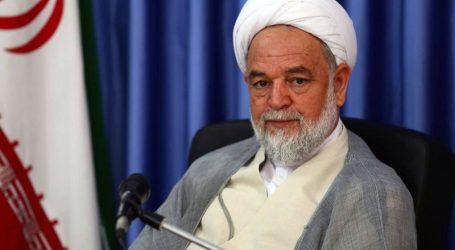 انتقاد امام جمعه بجنورد از سقف حقوق ۲۴ میلیونی مدیران